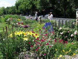 Dowling Public Garden